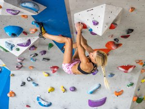 Bouldering - Anna Davey
