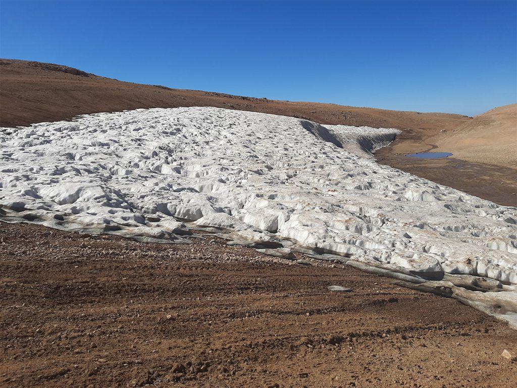 Snow accumulation in Qornet as sawda